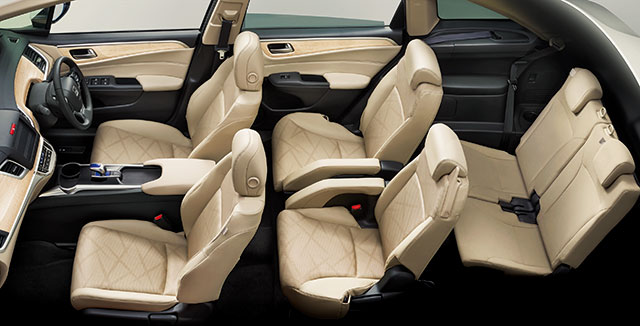 http://www.h-cars.co.jp/news/images/150212-jade03.jpg