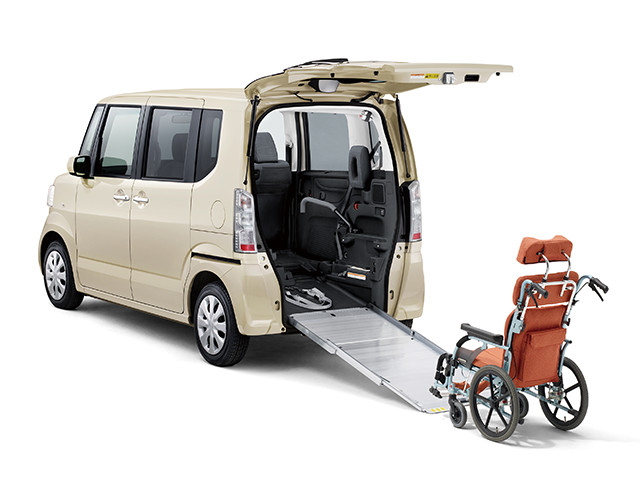 http://www.h-cars.co.jp/news/images/150710_n-box05.jpg