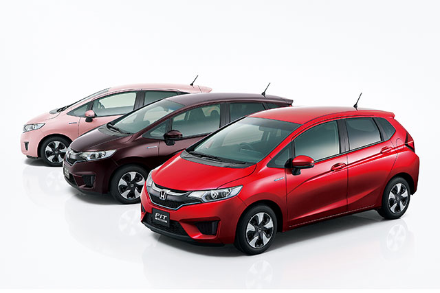 http://www.h-cars.co.jp/news/images/151217_fit01.jpg