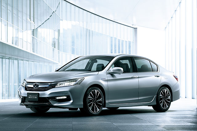 http://www.h-cars.co.jp/news/images/160526_accord01.jpg