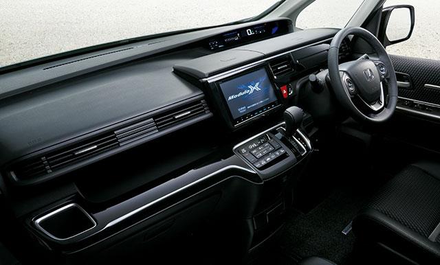 http://www.h-cars.co.jp/news/images/161020_stepwgn02.jpg