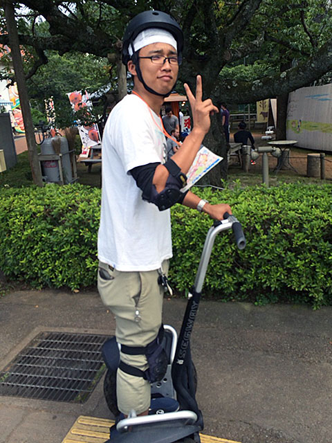 http://www.h-cars.co.jp/showroom/topics/images/141020_segway03.jpg