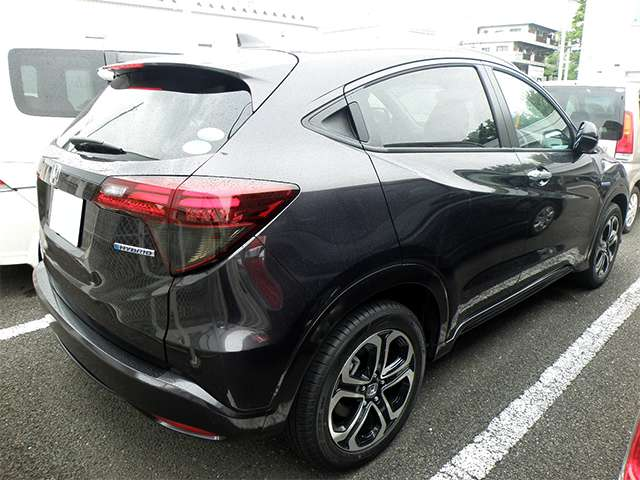 http://www.h-cars.co.jp/showroom/topics/images/150629_vezel01.jpg