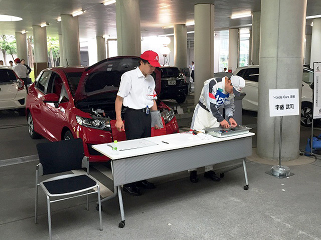 http://www.h-cars.co.jp/showroom/topics/images/150806_service01.jpg
