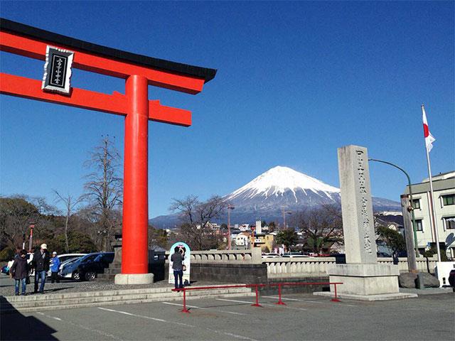 http://www.h-cars.co.jp/showroom/topics/images/151214_fuji09.jpg