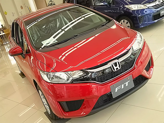 http://www.h-cars.co.jp/showroom/topics/images/160328_fit01.jpg