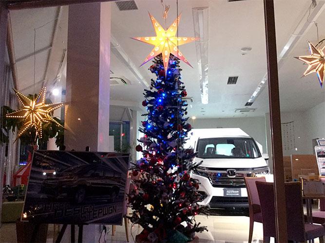 中原店もクリスマス仕様に。ぜひご来店を。