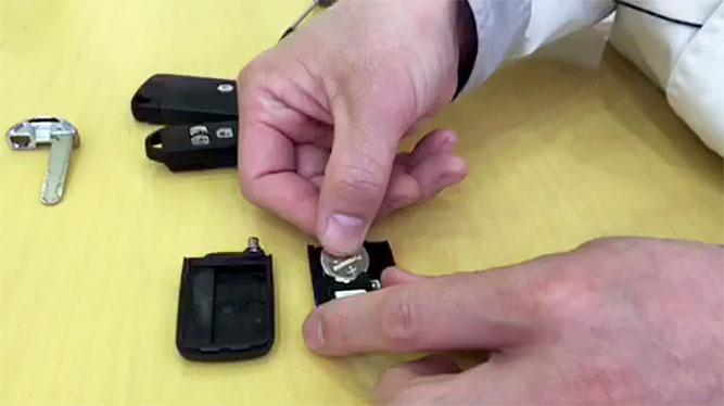 【動画】スマートキーの電池交換
