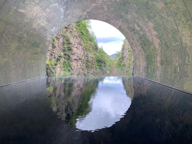 ドライブスポット【日本三大峡谷の清津峡と星峠の棚田】